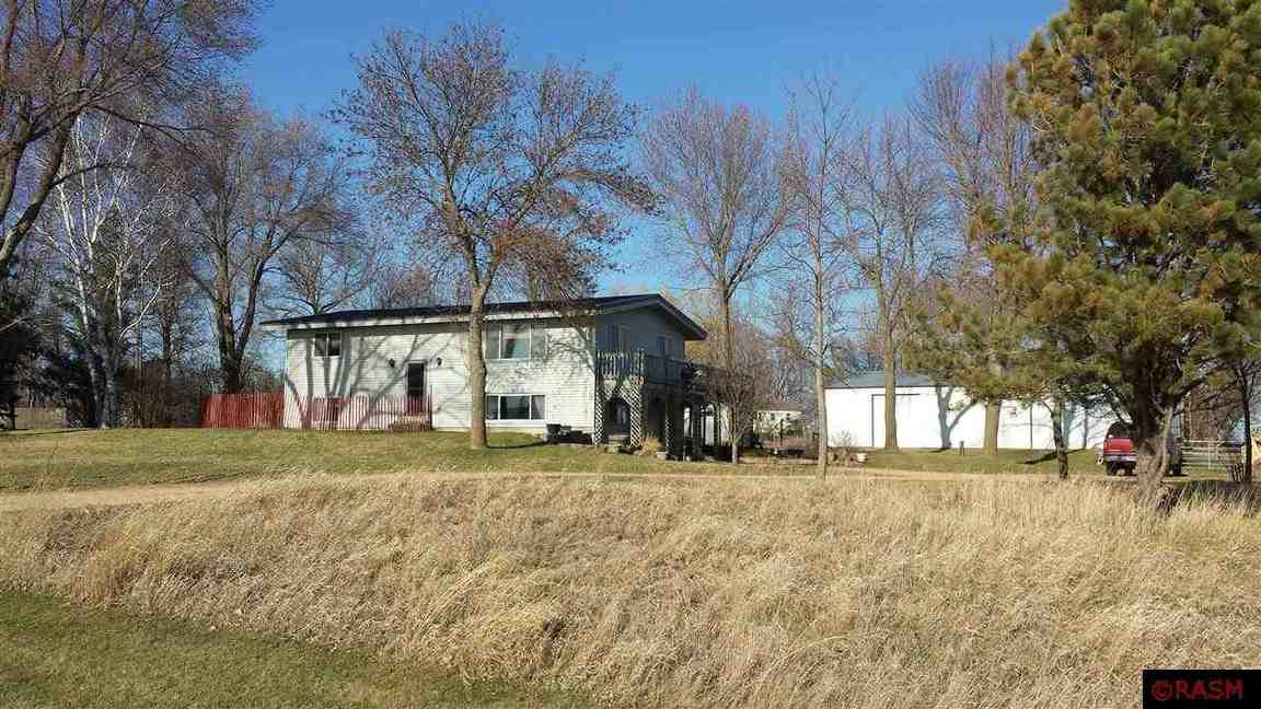 39632 W County Line Road Janesville MN, 56048