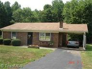 314 Crestview Drive King NC, 27021