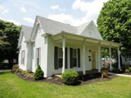 208 Cave St Horse Cave KY, 42749