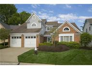 10 South Hampton Cir Rocky River OH, 44116