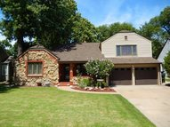 204 Green St Hutchinson KS, 67502
