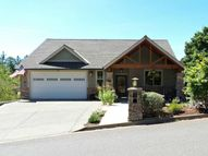 374 North River Dr Roseburg OR, 97470