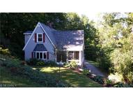 1733 Maple Hill Dr Hinckley OH, 44233