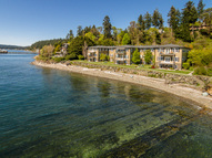9551 Ne Beach Drive Bainbridge Island WA, 98110