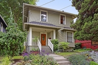 1007 N 42nd St Seattle WA, 98103