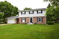 121 Holiday Dr Wind Point WI, 53402