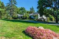 28 Red Ground Rd Old Westbury NY, 11568