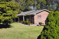 212 Cedar Rd Clinton TN, 37716