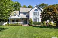 11 Morgan Ct Smithtown NY, 11787