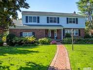295 Woodland Dr Brightwaters NY, 11718
