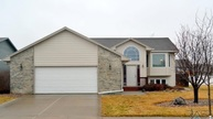 6813 S Connie Ave Sioux Falls SD, 57108