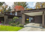 9494 Fernwood Dr Unit: 9494 Olmsted Falls OH, 44138
