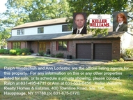 4 Half Hollow Ct Lake Grove NY, 11755