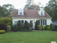 24 Country Club Rd Bellport NY, 11713