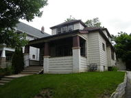 1422 N 53rd St 1422a Milwaukee WI, 53208