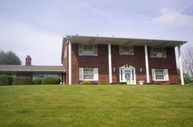 104 Pleasantview Dr Weirton WV, 26062