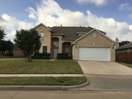 301 Londonderry Ln Mansfield TX, 76063