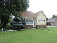 704 S Victor Christopher IL, 62822