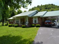 1383 Neeley Creek Rd. Celina TN, 38551