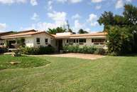 985 Hunting Lodge Dr Miami FL, 33166