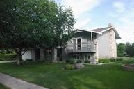 137 South Woodcrest Dr N Fargo ND, 58102