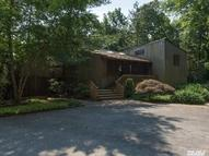 978 Seaview Dr Mill Neck NY, 11765