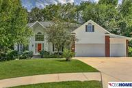 4505 Lake Forest Papillion NE, 68133