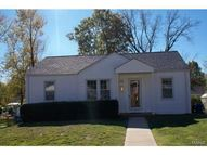 10310 Saint Arthur Lane Saint Ann MO, 63074