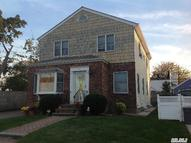24 Meagher Pl Williston Park NY, 11596