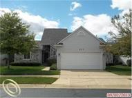 877 Knollwood Cir South Lyon MI, 48178