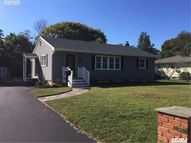 140 Avery Ave Patchogue NY, 11772