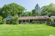22 Glen Crescent Way Cold Spring Harbor NY, 11724