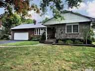 3 Goldsmith Ave Greenlawn NY, 11740