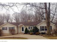 17476 Snyder Rd Chagrin Falls OH, 44023