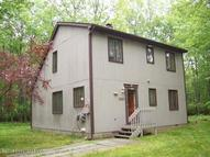 134 Oakenshield Dr Tamiment PA, 18371
