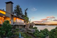 3220 Point White Dr Ne Bainbridge Island WA, 98110
