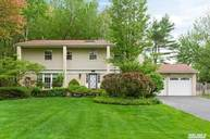 40 Birchdale Ln Port Washington NY, 11050