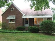 115 Goodhue Dr Akron OH, 44313