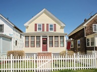 15 Eastnor Rd Newport RI, 02840