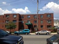 66-60 80th St 306 Middle Village NY, 11379