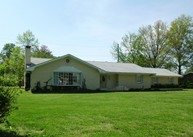602 Evergreen Lane Carmi IL, 62821