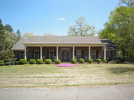 200 Pinecrest Dr New Albany MS, 38652