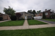 8032 South Menard Avenue Burbank IL, 60459