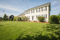 190 Compton View Dr Middletown RI, 02842