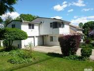 30 Spinney Hill Dr Great Neck NY, 11020