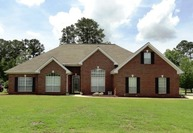 289 First Colony Columbus MS, 39702