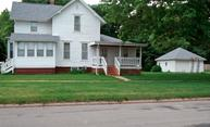 903 Pearl St Grinnell IA, 50112
