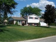 8553 Huron River Dr White Lake MI, 48386