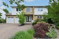 7 Gale Dr Valley Stream NY, 11581