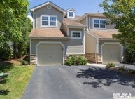 114 Carriage Ln Plainview NY, 11803
